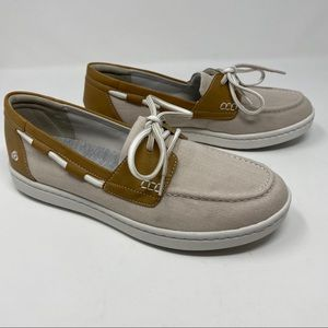 🌈NIB Clarks Cloudsteppers Tan Off White Boat Shoe